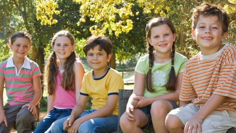 kids-sitting